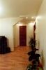 устройство подвесного потолка гостиная  013